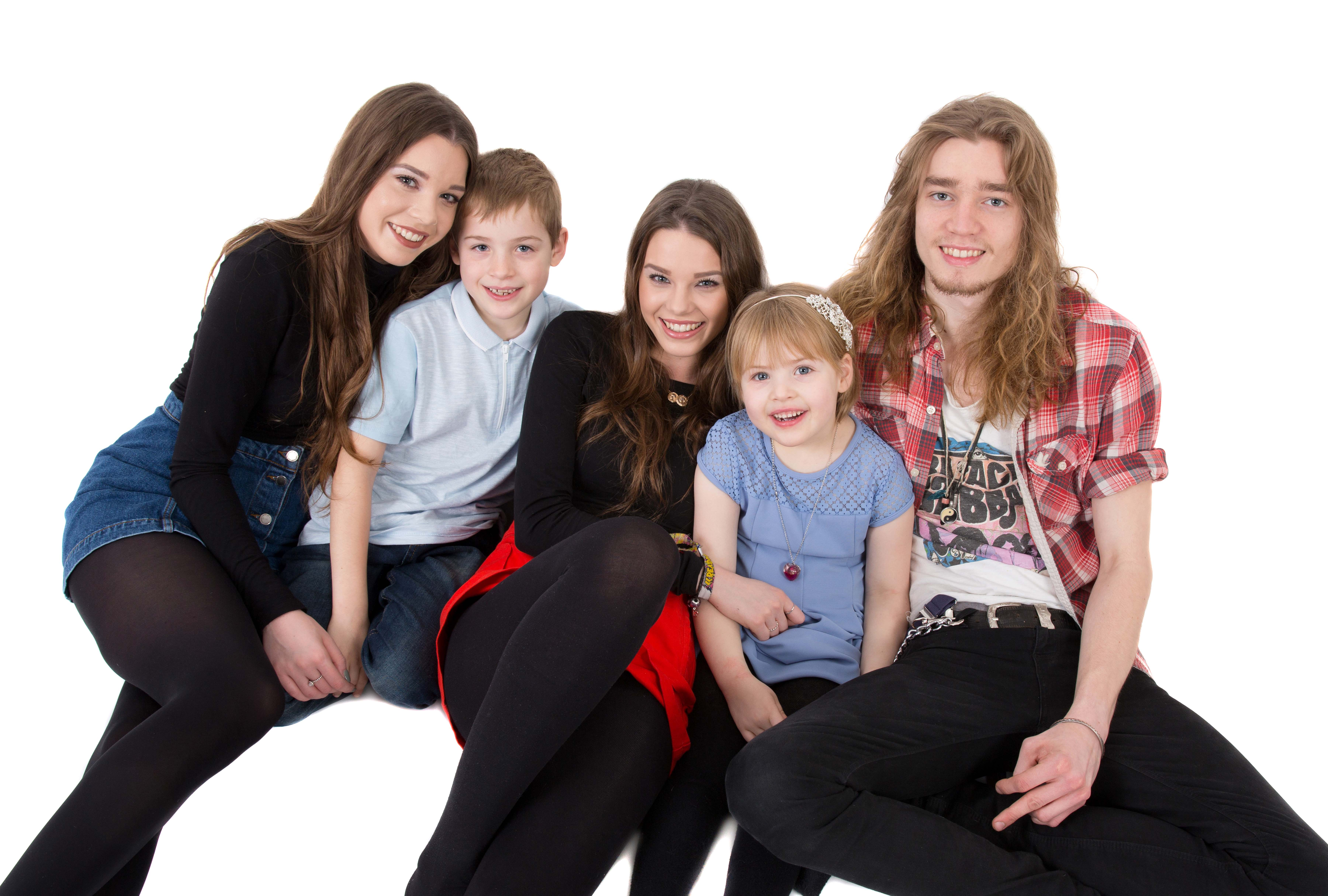 FAMILY STUDIO SHOOT